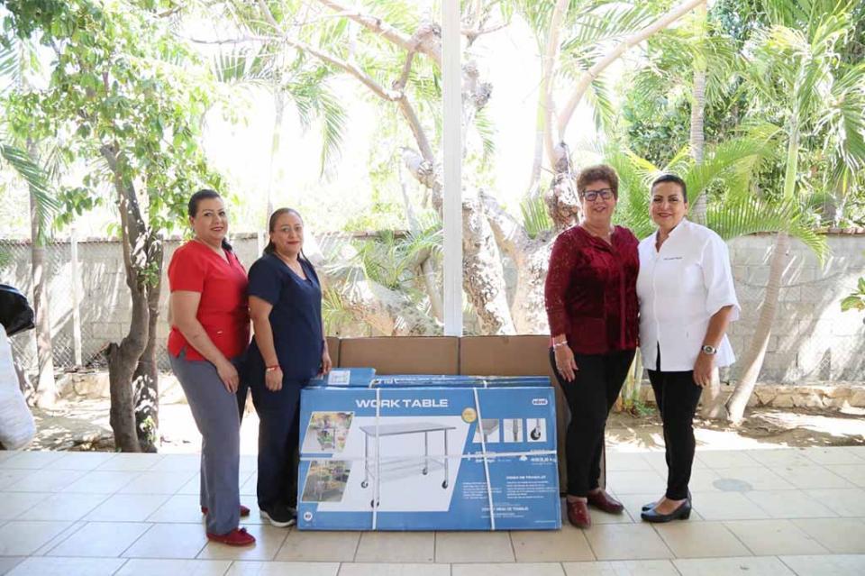 Entrega DIF Los Cabos apoyos a la Unidad Básica de Rehabilitación UBR