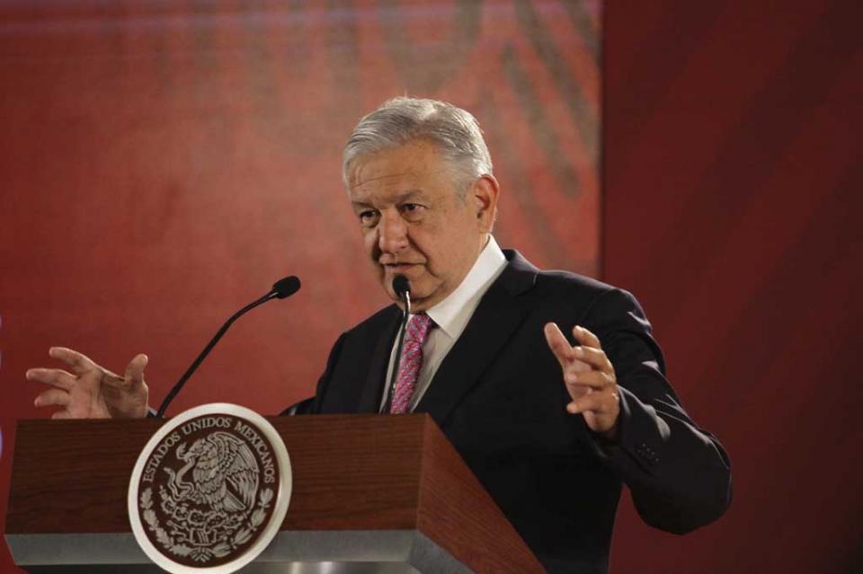 Niega López Obrador contradicción en política migratoria