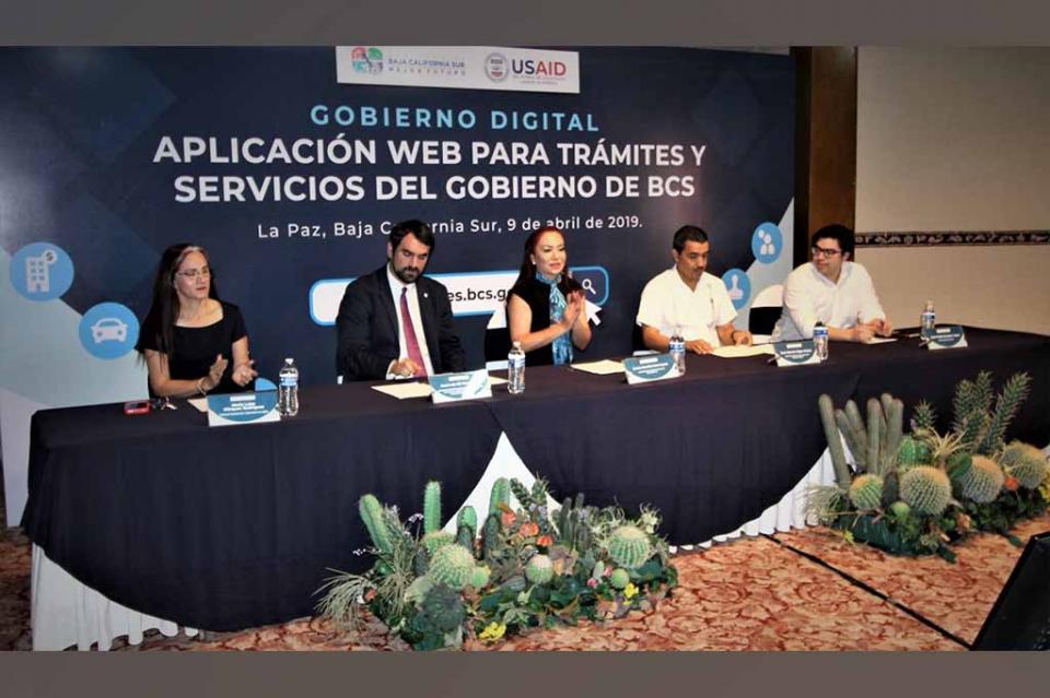 Contraloría estatal presenta la aplicación para la digitalización de trámites y servicios de BCS
