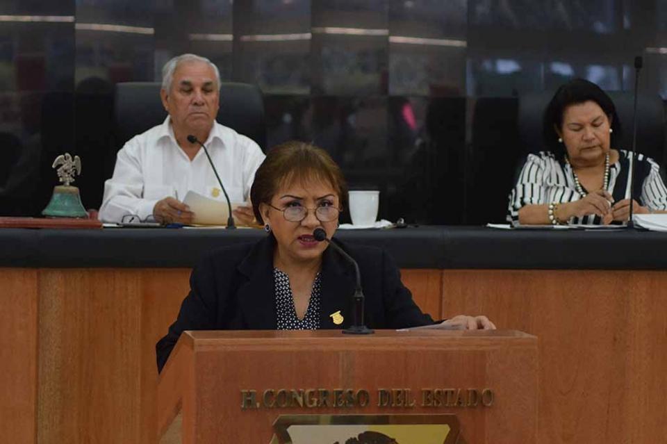 Demanda la Diputada Maricela Pineda se atienda a la brevedad la problemática de los maestros de las Escuelas de Tiempo Completo