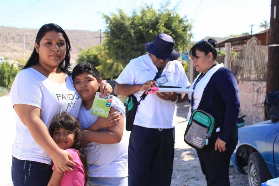 Salud lleva la vacunación infantil contra sarampión a colonias