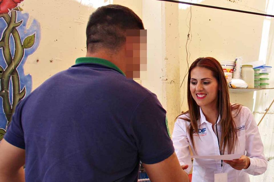 Efectúa SEDIF acciones en beneficio de las personas del centro de reinserción social