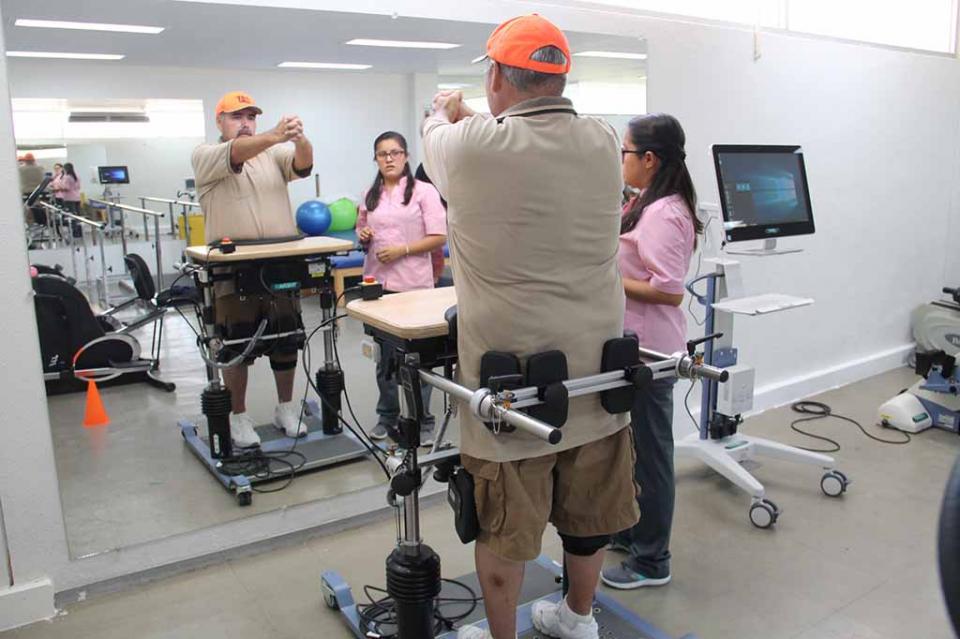 El CREE brinda atención a pacientes con parkinson