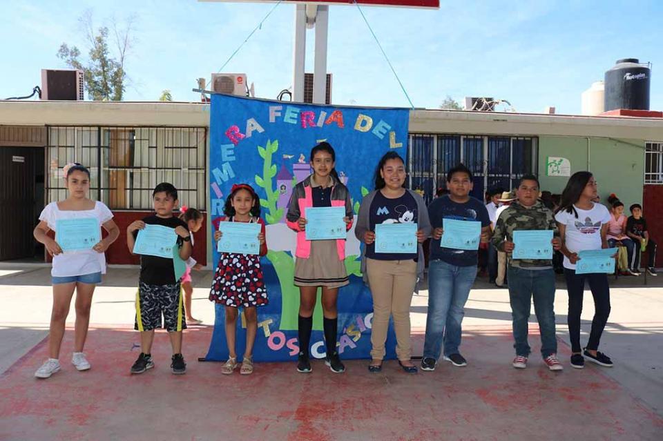 Realiza Escuela González Bocanegra primera Feria del Libro