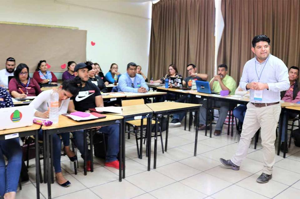 Más de 2 mil docentes de BCS fortalecen sus estrategias de enseñanzas