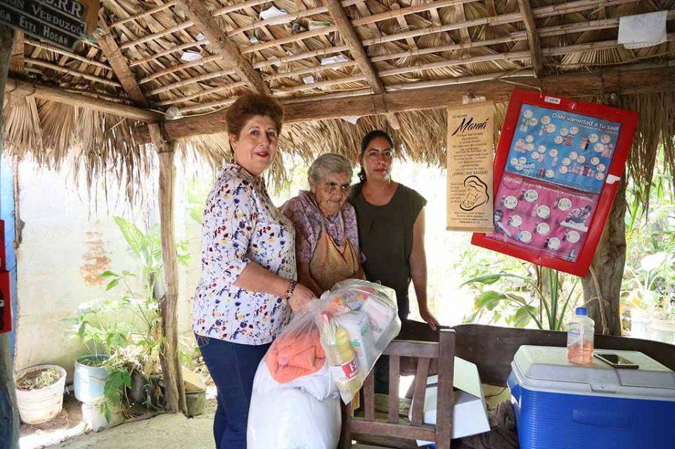En atención a los adultos mayores y personas con discapacidad brinda apoyos SMDIF Los Cabos