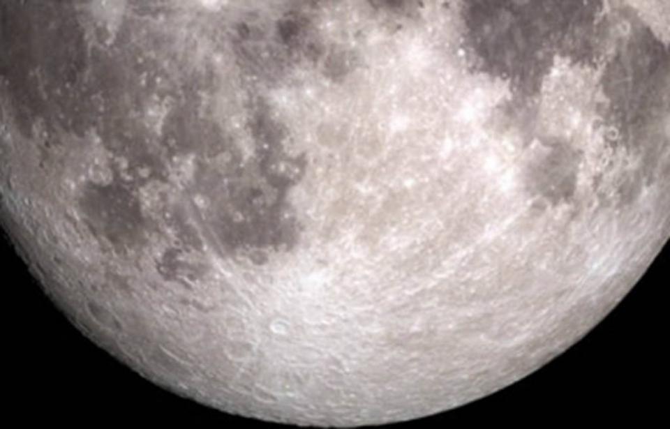 Estudio revela que impactos de meteoroides liberan vapor de agua en la Luna