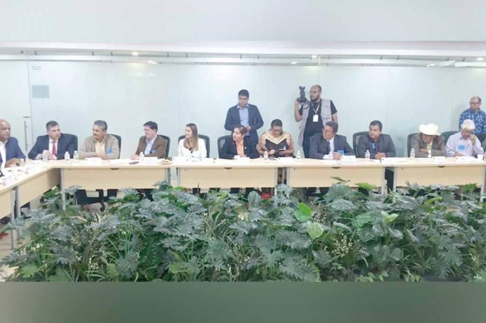 Productivo encuentro del CCC, empresarios de pesca deportiva y ribereña y AHLC con diputados federales del estado de Veracruz