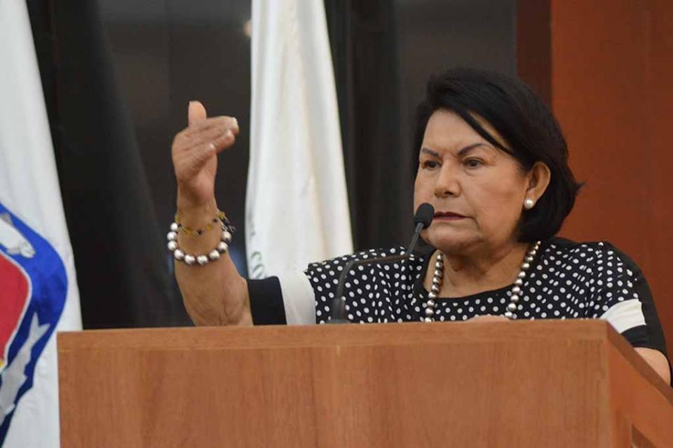Exige Dip. Soledad Saldaña que SCT repare cercos de la carretera al norte para evitar la presencia de ganado