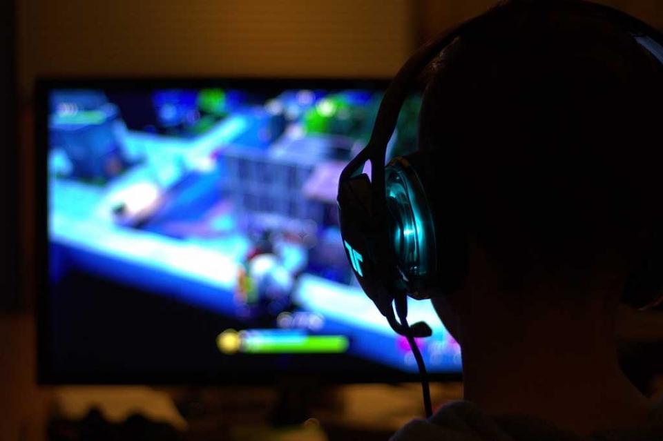 Niño boliviano se gasta USD 1.500 robados a su hermana en videojuegos