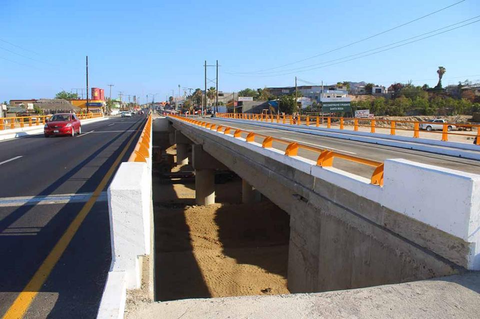 """Abren a la circulación vial puente """"Chaparro"""" del vado de Santa Rosa"""