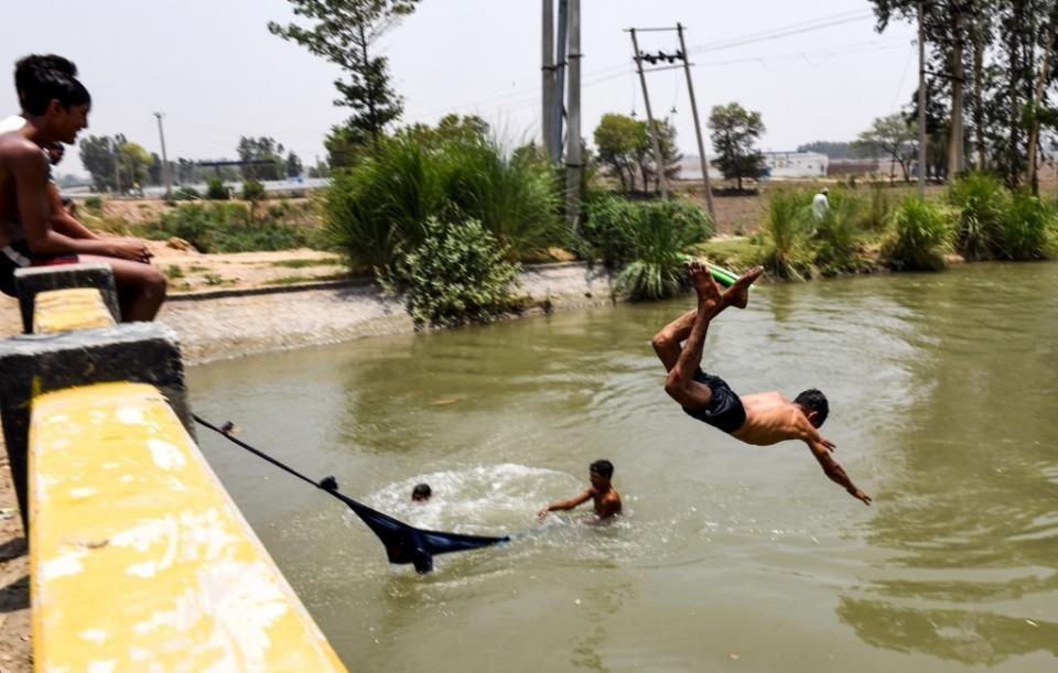 India sofocada por temperaturas de más de 50°C en el norte