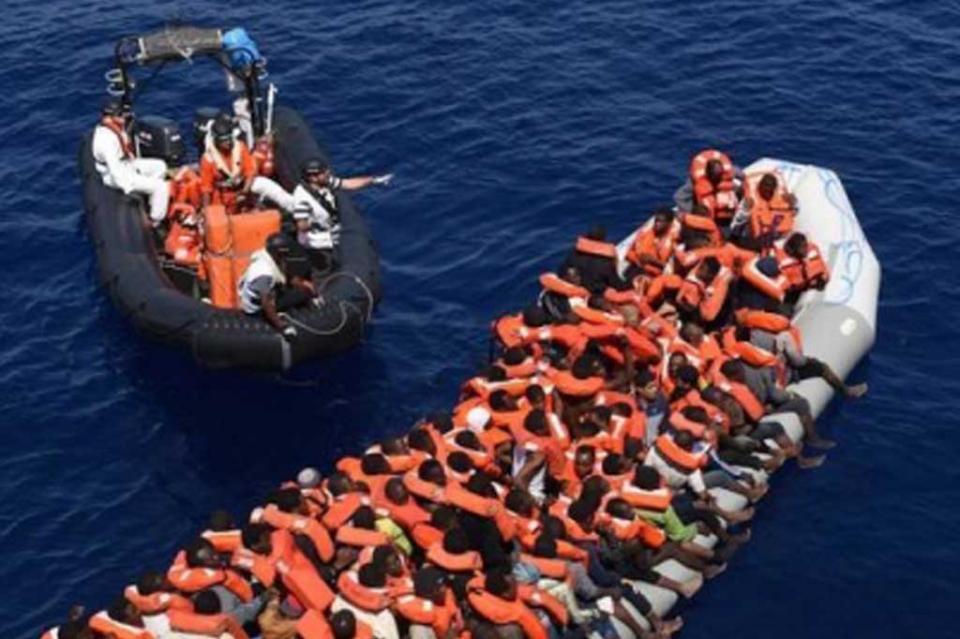 Libia rescata 92 inmigrantes en aguas el Mediterráneo