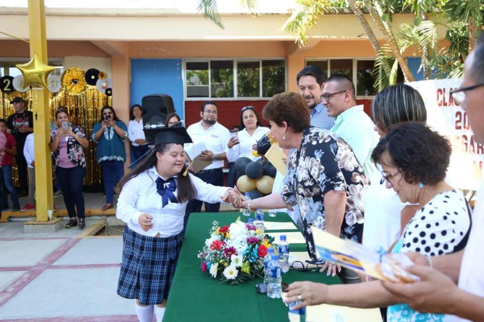 Se celebra Ceremonia de Clausura de Escuela de Educación Especial Generación 2018 – 2019 en compañía de SMDIF
