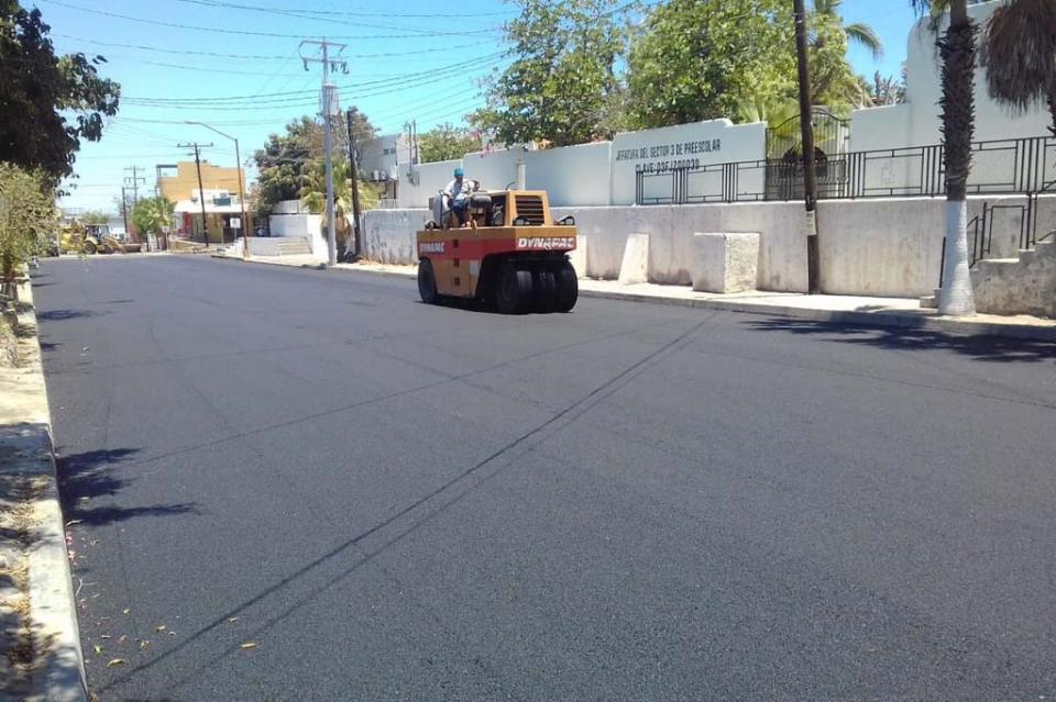 Inició SEPUIM reencarpetado de calles en La Paz