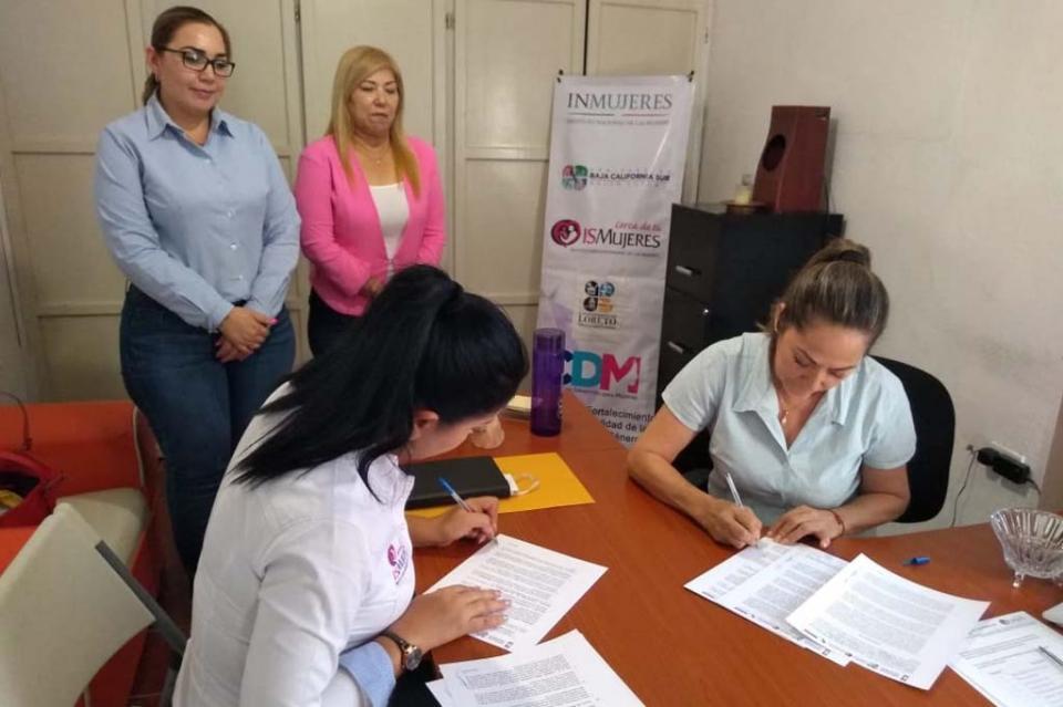 Firman colaboración ISMUJERES e Instituto Municipal de la Mujer en Loreto