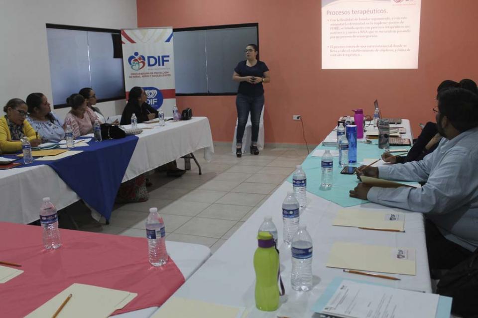 Imparten curso de inducción a psicólogos de procuradurías municipales