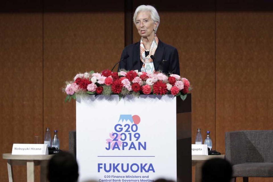 Lagarde se muestra preocupada por costo de guerra comercial EUA-China