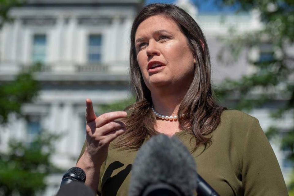 """Casa Blanca destaca """"progreso"""" con México pero dice que aranceles regirán desde el lunes"""
