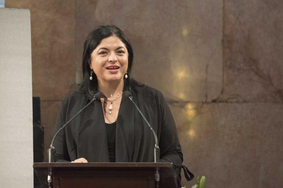 Envía Secretaría de Cultura reclamación a Carolina Herrera por apropiación cultural