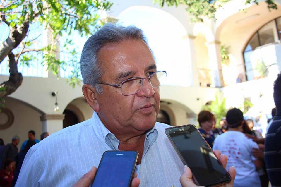 Confirma tesorero Rigoberto Arce Martínez 200 mdp de inversión para pavimentación de calles y 160 mdp para obra social