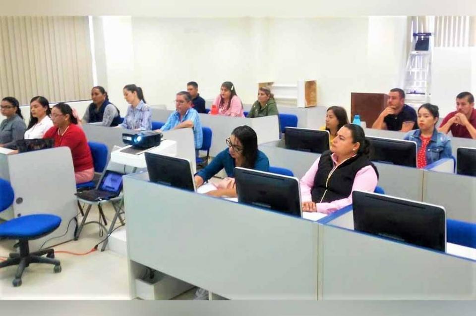 Capacita SEP aplicadores de exámenes PLANEA 2019