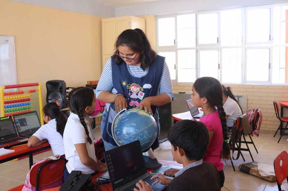 Docente de BCS participa en argentina en encuentro de escuelas multigrado