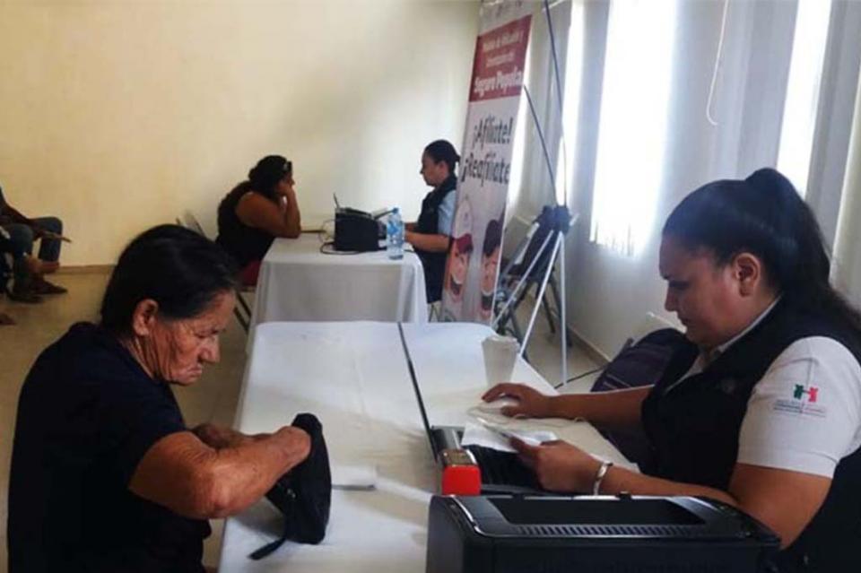 Salud desarrolló incorporaciones al Seguro Popular en Santiago