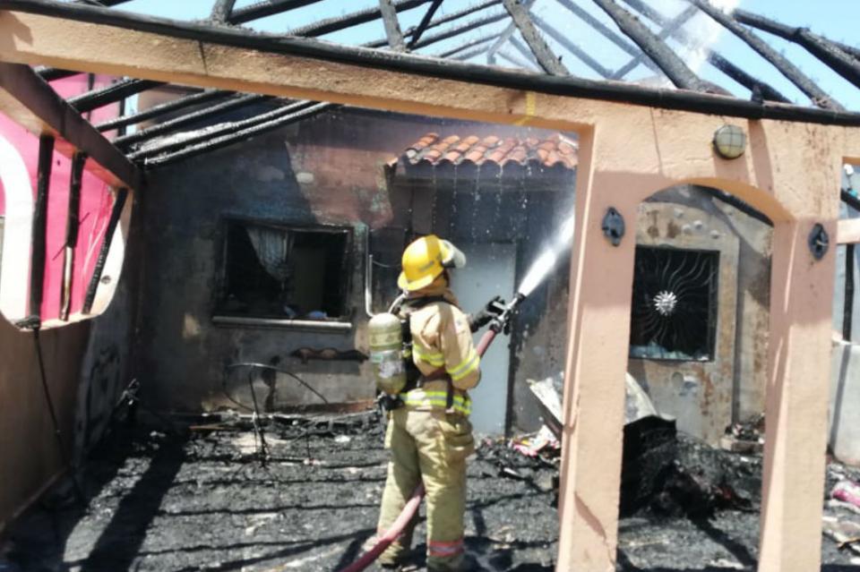 Pérdidas totales por incendio en casa habitación en fraccionamiento Caracoles