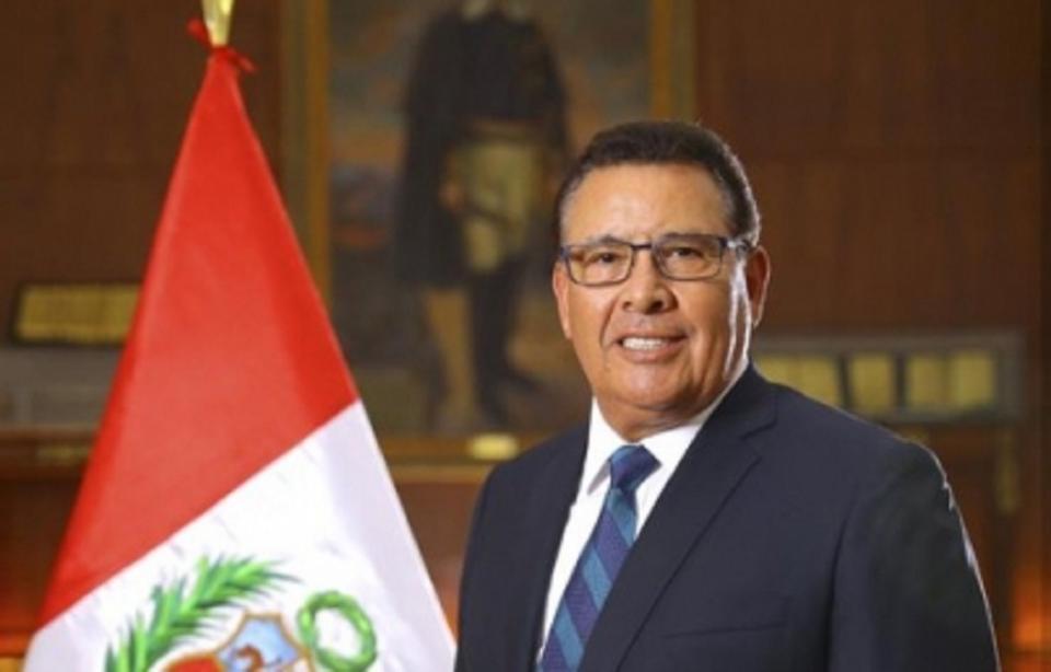 Muere ministro de Defensa de Perú víctima de paro cardíaco