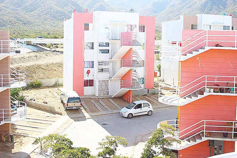 """Dar solución a la problemática que enfrentan """"Los Olvidados"""" en Los Cabos, fue la instrucción presidencial: Leonel Cota"""