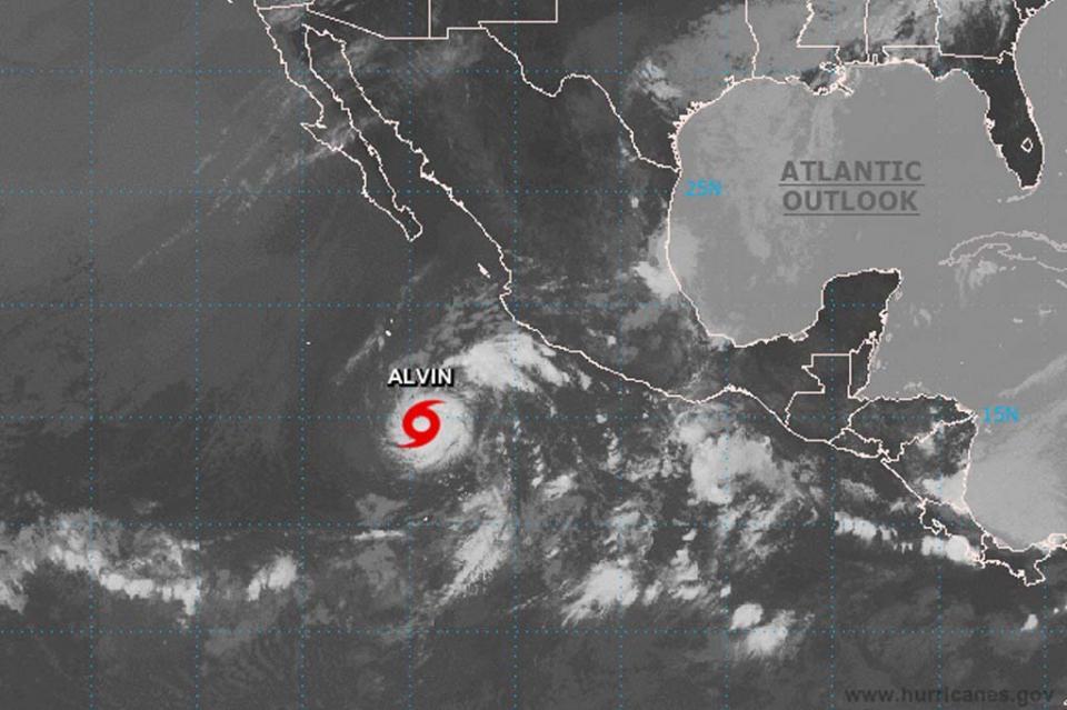 Se forma Alvin, primera tormenta tropical en el océano Pacífico