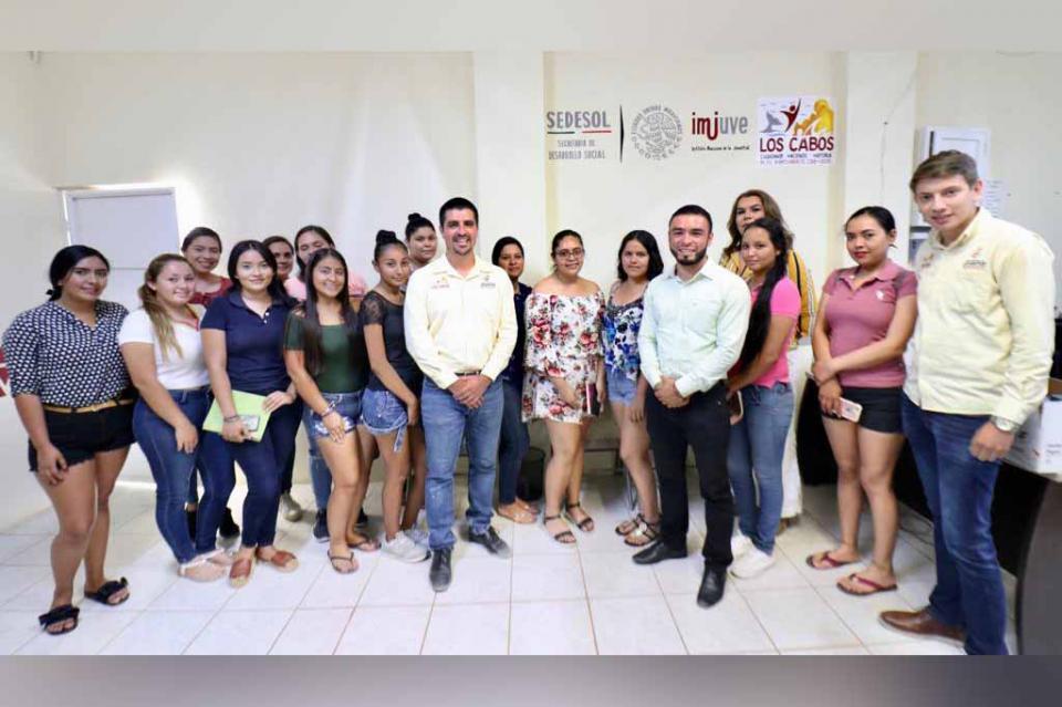Fomenta Gobierno Municipal el aprendizaje de opciones laborales ilimitadas en la juventud