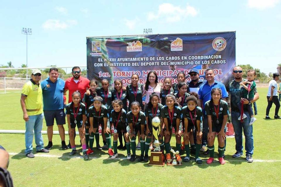 Concluye con éxito la primera Liga Municipal Femenil de Fútbol