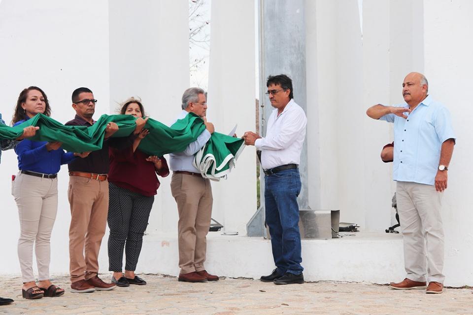 Se celebra Abanderamiento de servidores públicos y ciudadanía de Cabo San Lucas