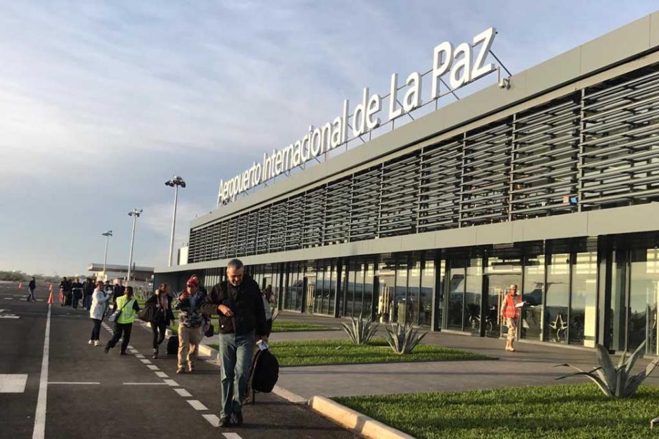 Fortalece La Paz conectividad aérea