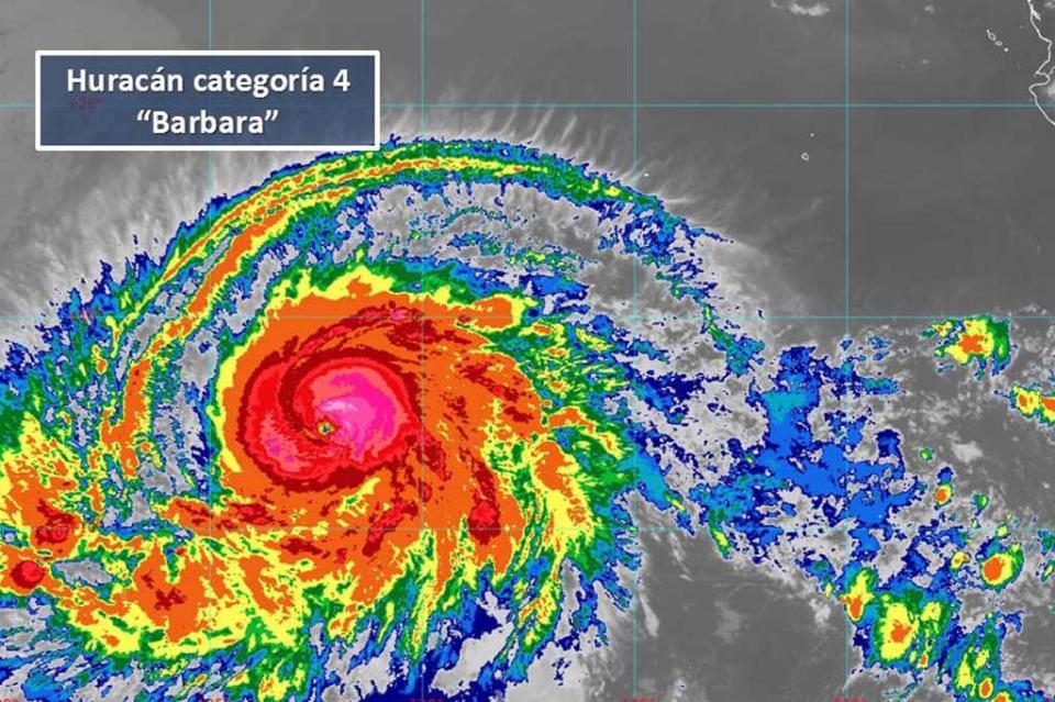 """Huracán """"Barbara"""" de categoría 4 lejos de costas nacionales"""