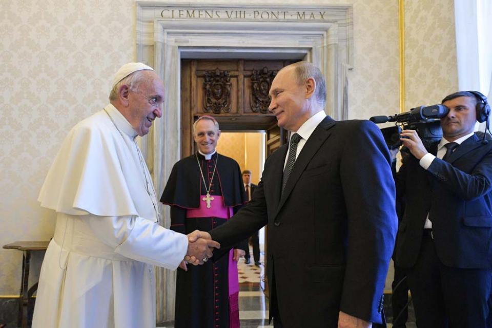 Papa Francisco y Putin conversan sobre Siria, Ucrania y Venezuela