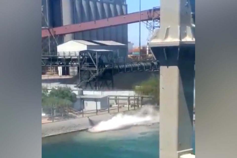 Derrama Grupo México tres mil litros de ácido sulfúrico en Mar de Cortés