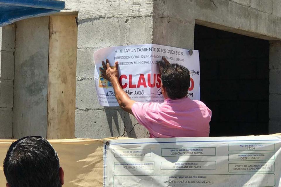 Clausura Municipio de Los Cabos obra de construcción realizada en El Médano
