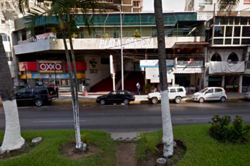 Deja cuatro muertos y siete heridos ataque armado en bar de Acapulco
