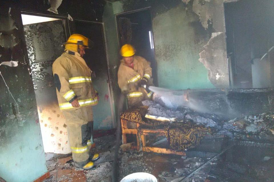 Se lanza mujer de tercer piso para escapar de incendio en Tabasco