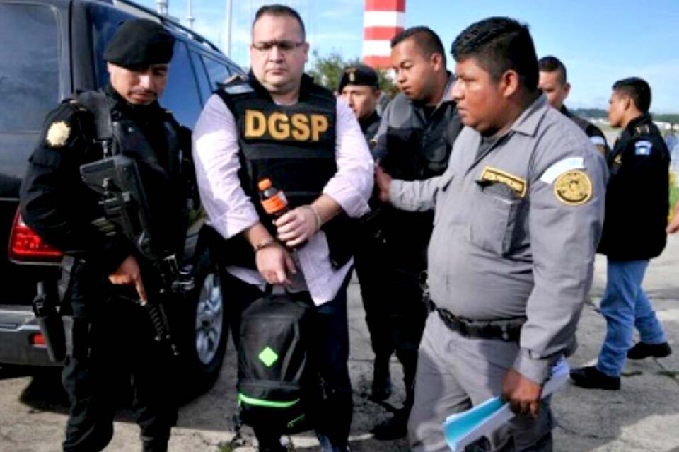 Duarte revela acuerdo con gobierno de Peña Nieto para entregarse