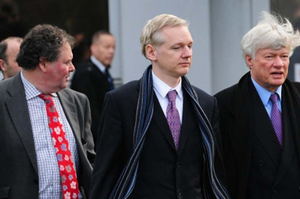 Suecia busca interrogar a Assange en Londres por presunta violación