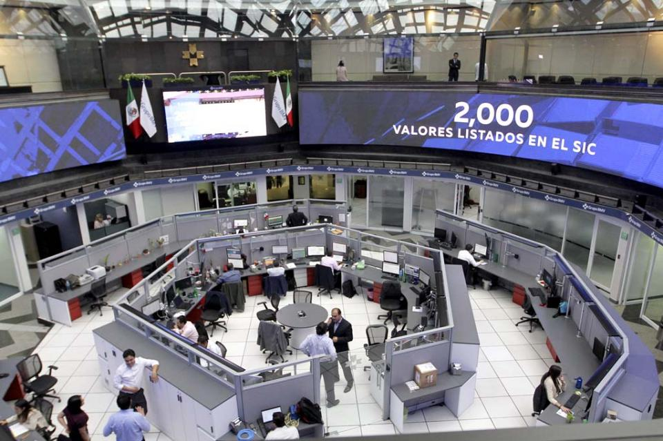 Bolsa Mexicana baja 1.22 por ciento, tras renuncia de Carlos Urzúa