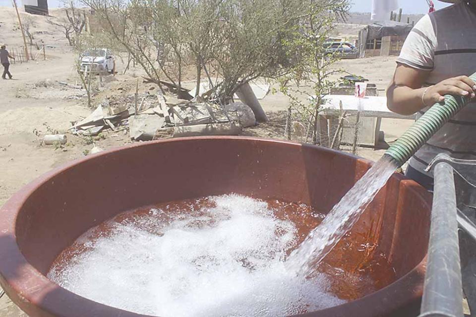 Desabasto de agua en CSL, genera serias afectaciones al gasto familiar, refieren afectados