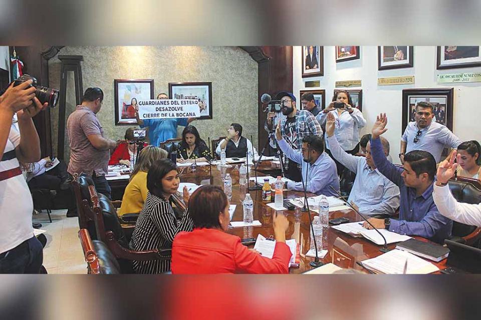Cabildo-estero: cierre de la bocana, investigación por daños y declaratoria de emergencia ambiental