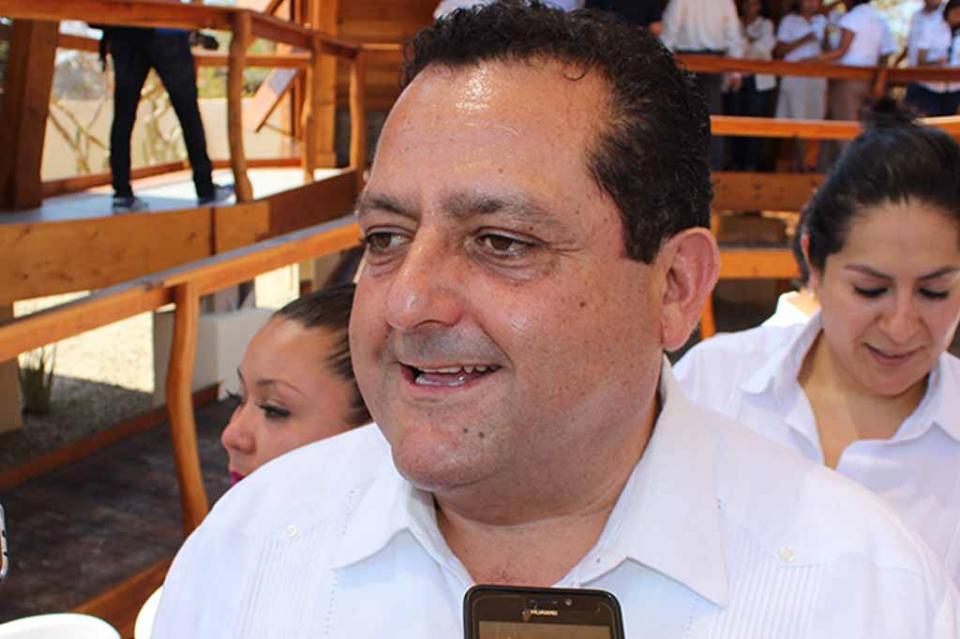 Gobernador Carlos Mendoza Davis, de los mandatarios mejor aprobados en el país de acuerdo a encuesta de Arias Consultores