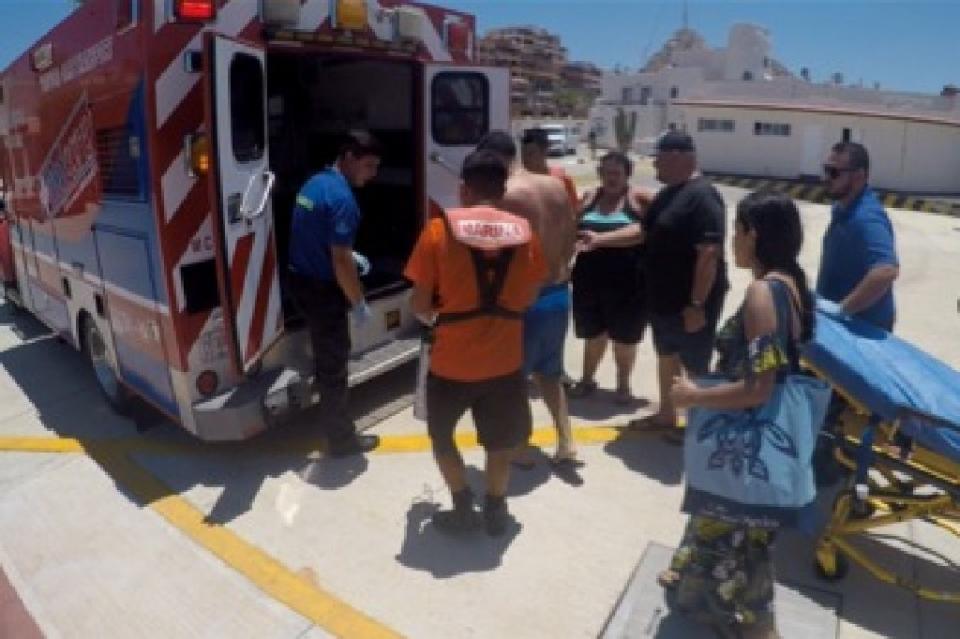 Marina realizó evacuación médica de dos turistas que realizaban actividades de buceo en Cabo San Lucas