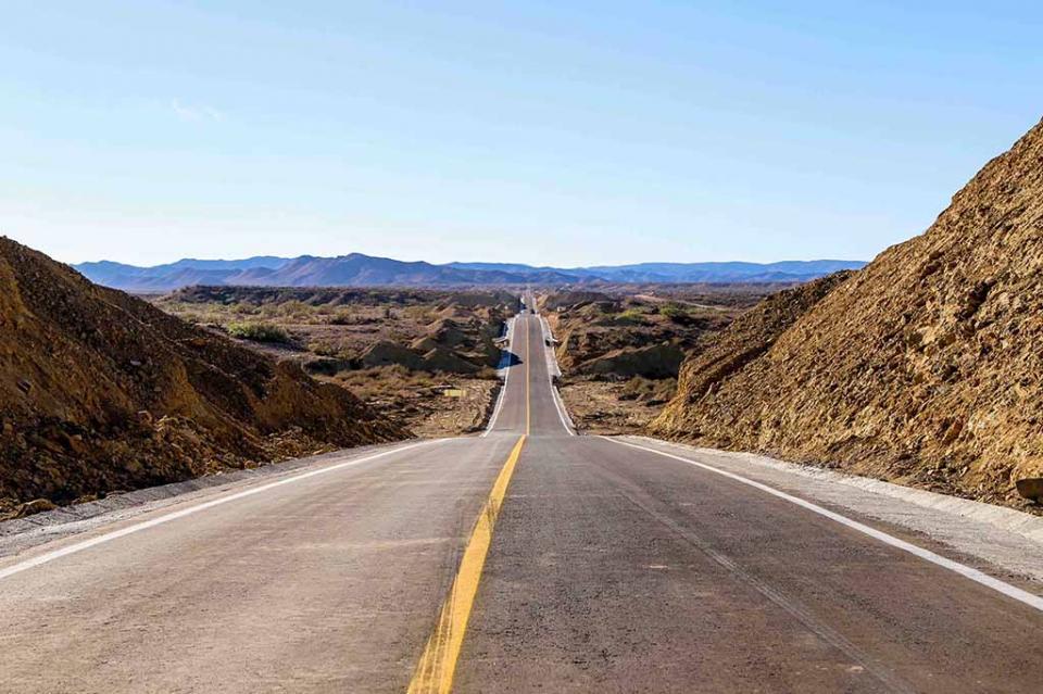 Fortalece gobierno estatal la calidad y seguridad de carreteras en Mulegé